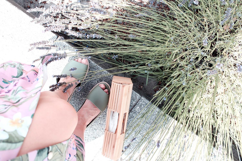 Buty Melissa i drewniana torebka