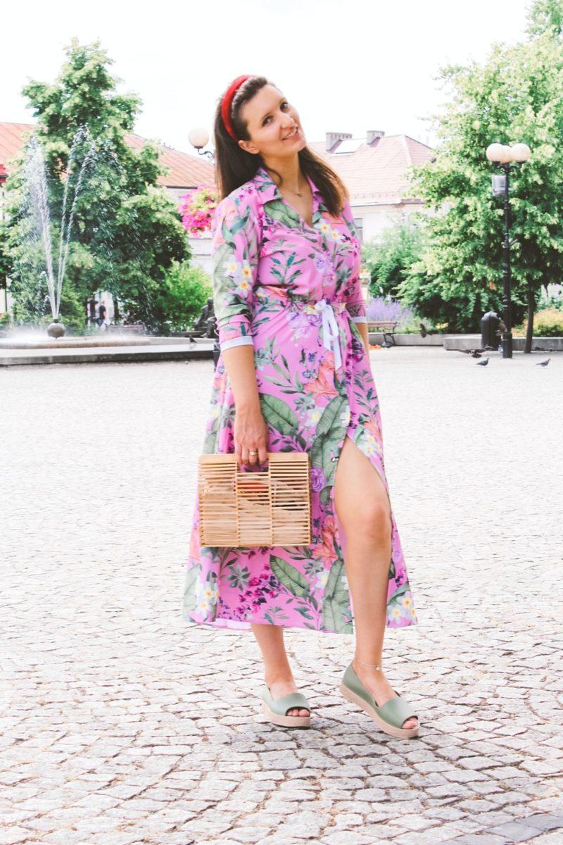 Długa sukienka w kwiaty na lato stylizacja blog