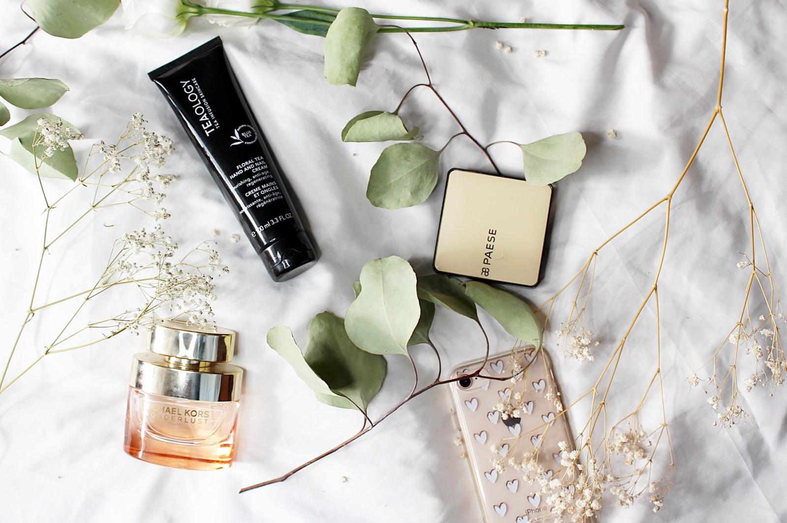 Jak używać perfum jak aplikować