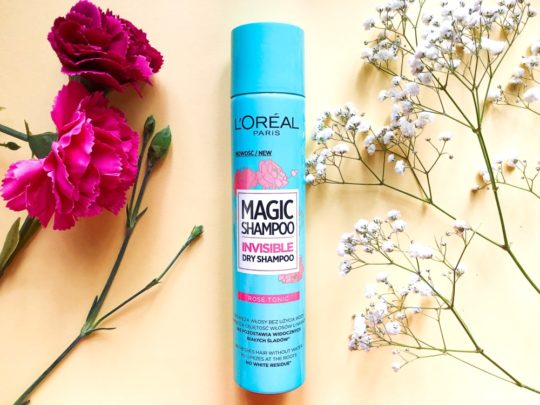 Suchy szampon L'Oréal Magic Shampoo Invisible Dry Shampoo Rose Tonic – pobije Batiste?